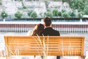 学生恋愛を好む人の特徴・デートの仕方