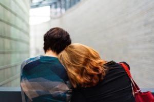 バイセクシャルの悩み事…異性と同性どちらと将来を歩むべきか?