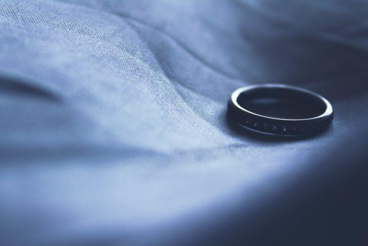コロナ離婚が続出中? 理由とカップルができる防止法