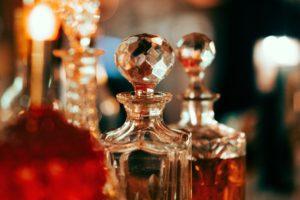 【交際前・交際後別】いつもと違う自分を演出 男性を魅了する香り集