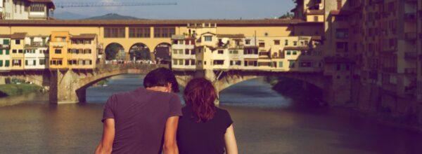 遠距離恋愛中の大学生のお泊りデートはあり? 親の意見や説得術