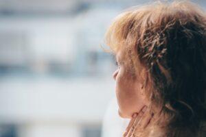 娘の悩みに共感できない親の心理と伝え方、寄り添い方